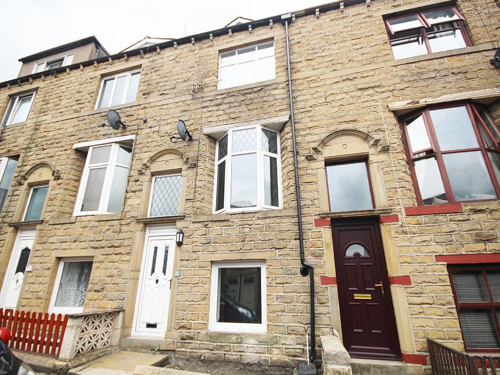 3 bedroom terraced house Let Agreed in Barnoldswick - Property photograph